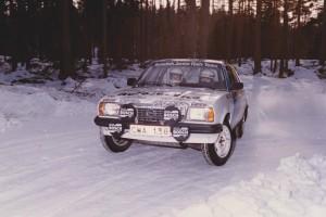 lars-erik torph i Swedish Junior rally team, vit opel