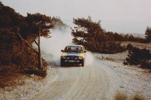 lars erik torph rally i en gul och blå bil